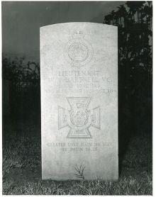 Dartnell headstone